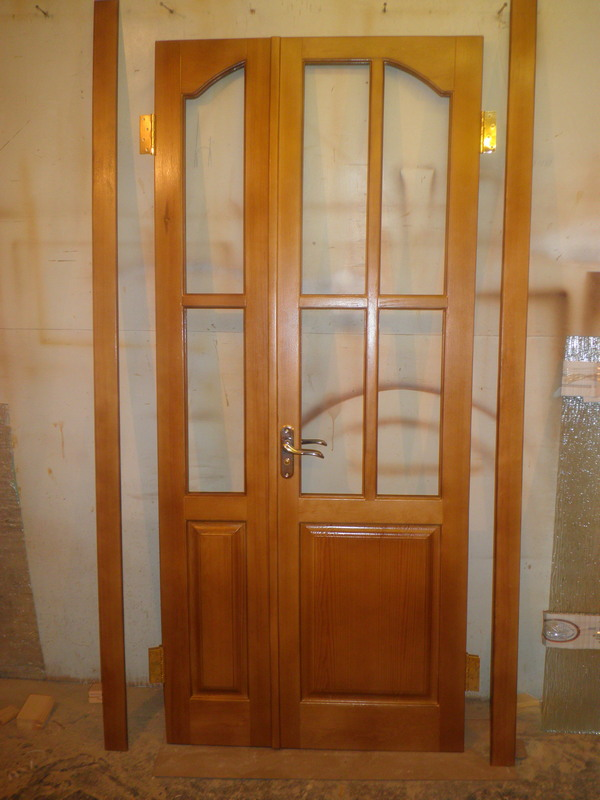 Изготовление деревянных дверей, окон, балконов и лоджий, бий.